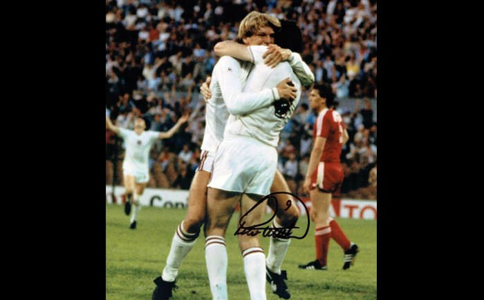Peter Withe Signed Display