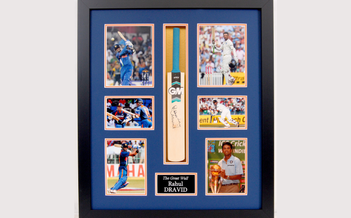 Rahul Dravid signed display
